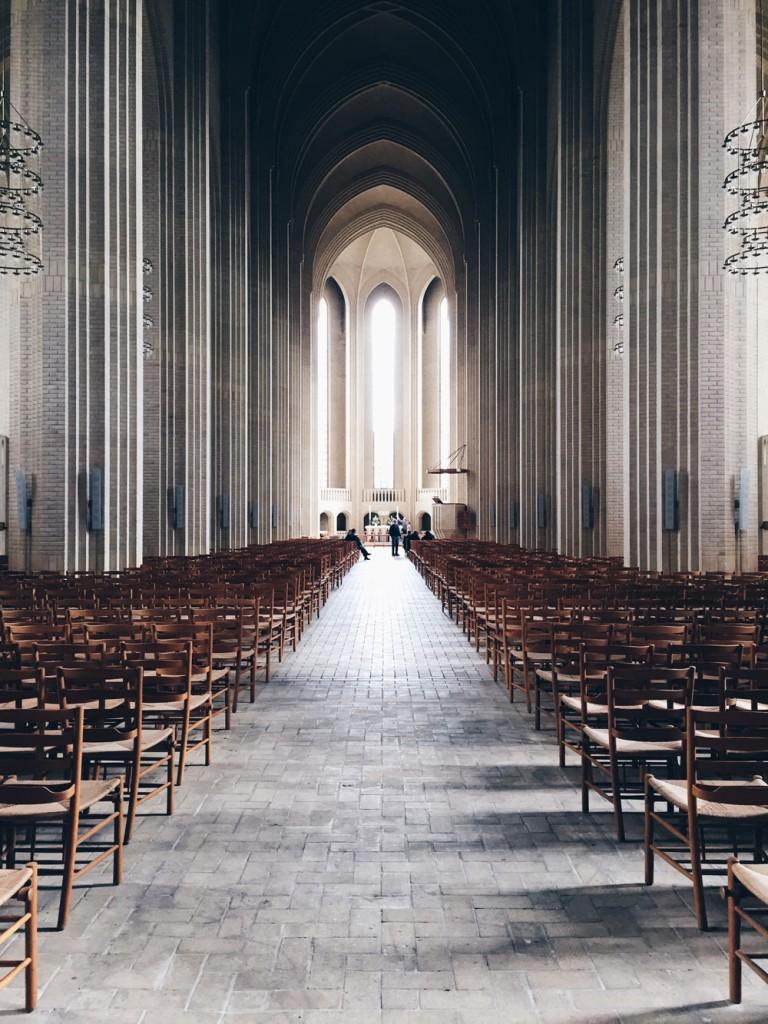 copenaghen-denmark-grundgtvig-church-kirken-chiesa-photo-credits-thelostavocado-(2) cos vedere a copenaghen