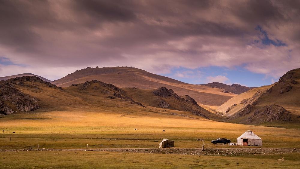 kyrgyzstan-by-timur-tugalev-thelostavocado-com
