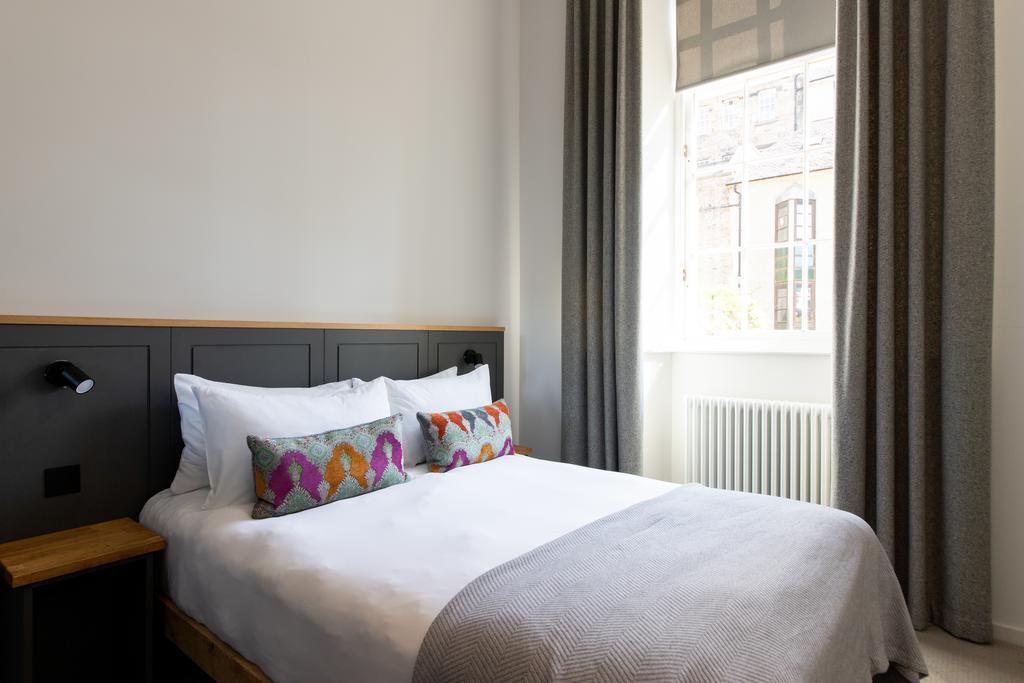 where to sleep edinburgh