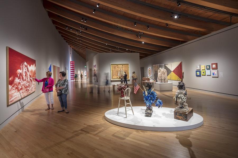 Bridge Contemporary-Art-Gallery-at-Crystal-Bridges-Museum-of-American-Art