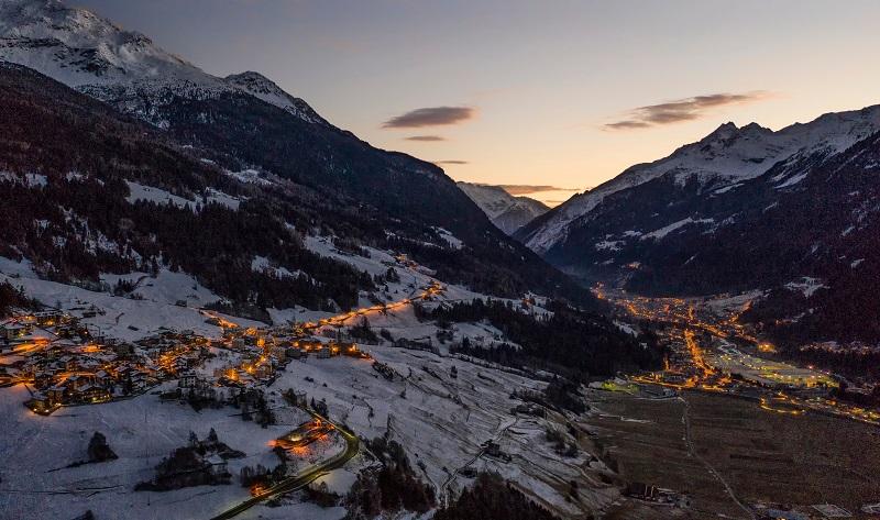 vicino-bormio-capodanno-montagna-italia-shutterstock