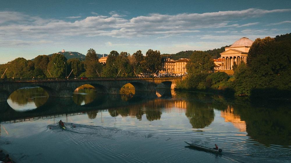 foto della citta di Torino, in Piemonte - unsplash