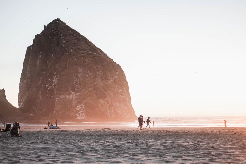 Foto della spiaggia di cannon beach oregon stati uniti