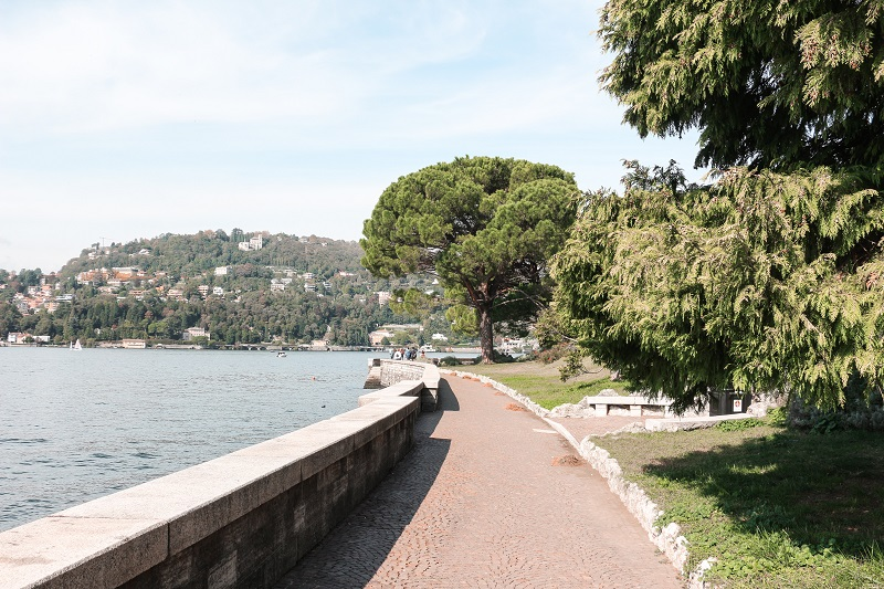 Foto di Lungo lario Trento a Como