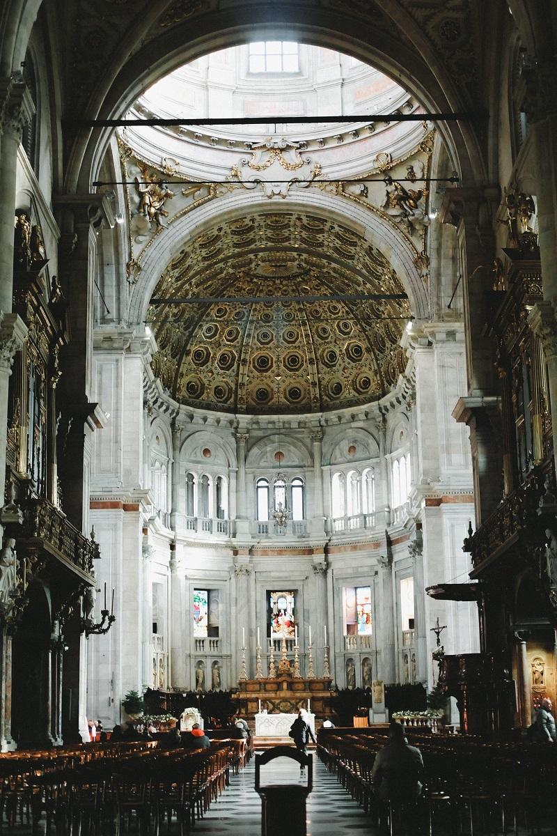 Foto dell'interno del Duomo di Como