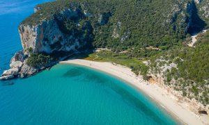 Foto cover della guida su cosa vedere in Sardegna