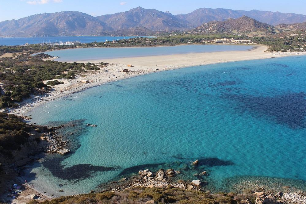 Foto della baia di Porto Giunco, tra le spiagge bellissime in Sardegna