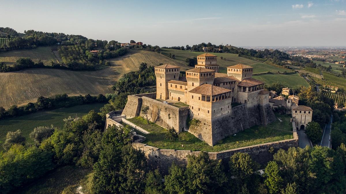 carstello di torrechiara parma e piacenza tra i posti da vedere in italia del nord