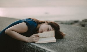 letture attese e cosa leggere libri autunno 2021 pexels-limuel-gonzales