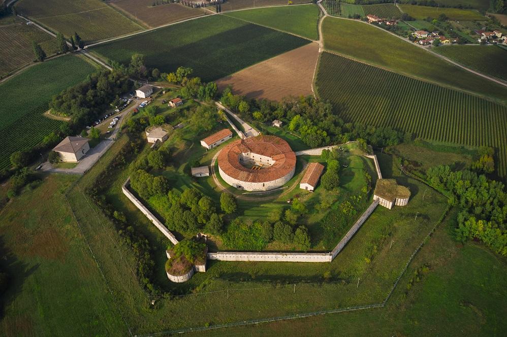 Forte Ardietti, tra Peschiera del Garda e Ponti sul Mincio