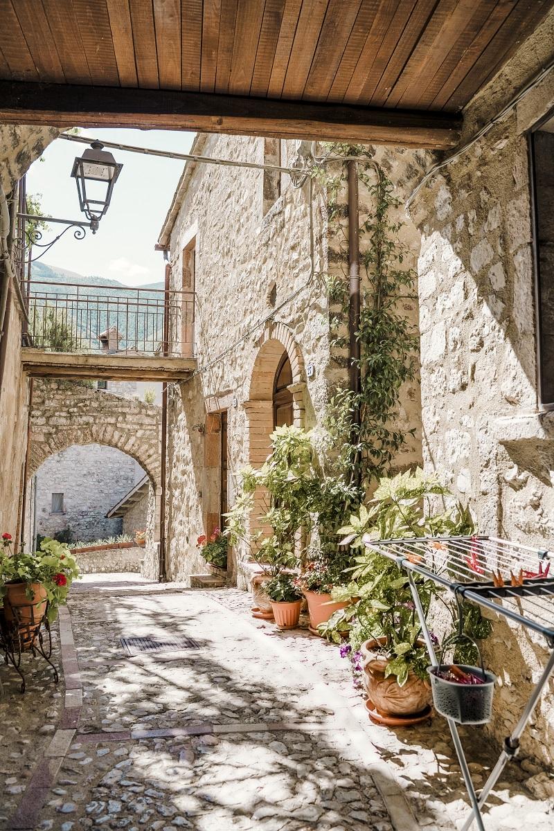 Foto di Vallo di Nera, in Umbria - thelostavocado borghi italiani poco conosciuti e bellissimi