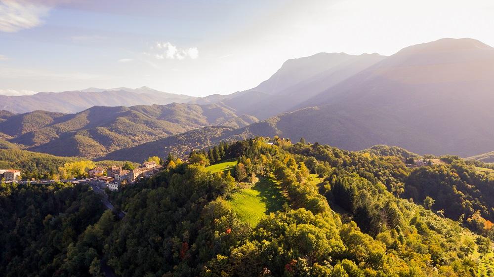 Montemonaco e Sibillini tra i borghi italiani meno conosciuti e da visitare - shutterstock