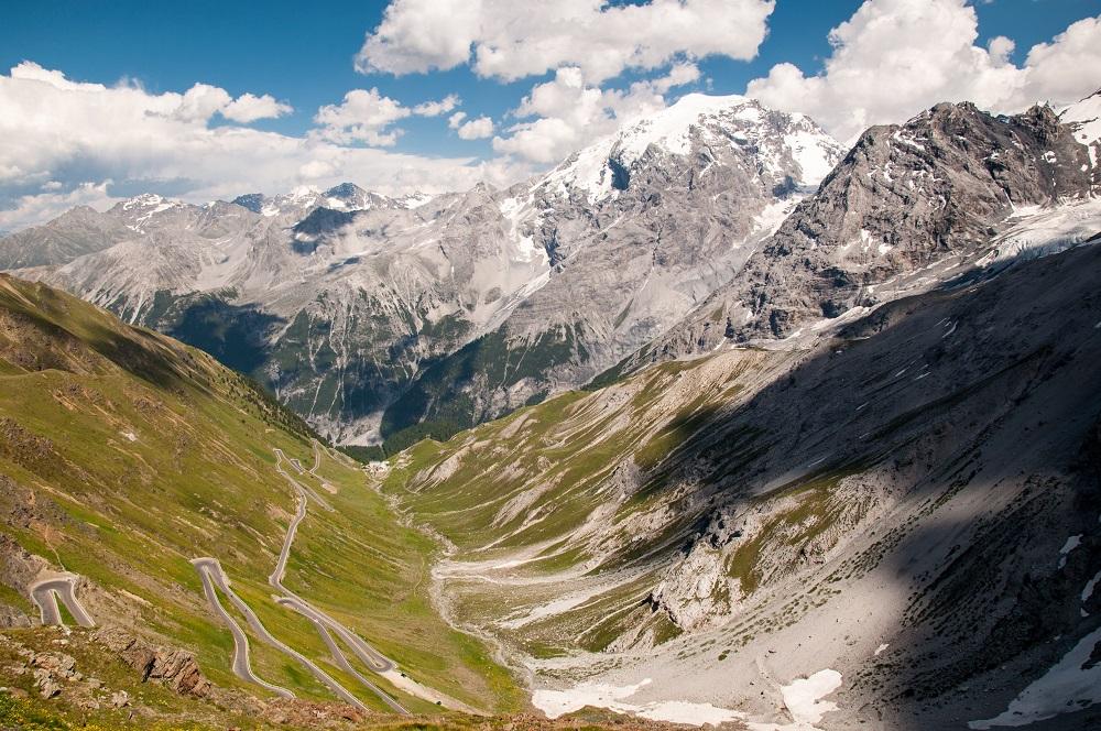 passo dello stelvio paesaggi unici in italia